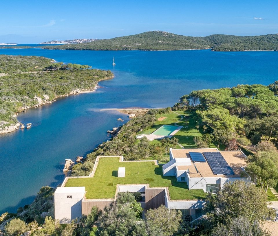 VILLA ON THE SEA – GALLURA – SARDINIA
